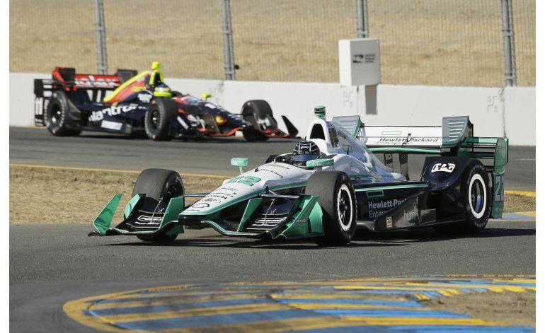 Pagenaud gana pole y se acerca al título en la IndyCar