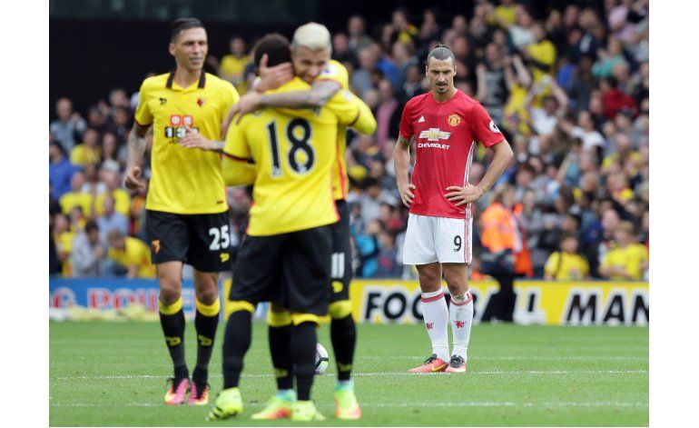 Watford propina al United de Mourinho su 3ra derrota seguida