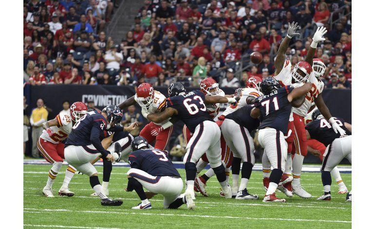 Novak convierte 4 goles de campo; Texans vencen a Chiefs