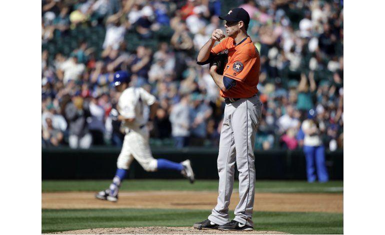 Smith pega 2 jonrones y Marineros derrotan a Astros