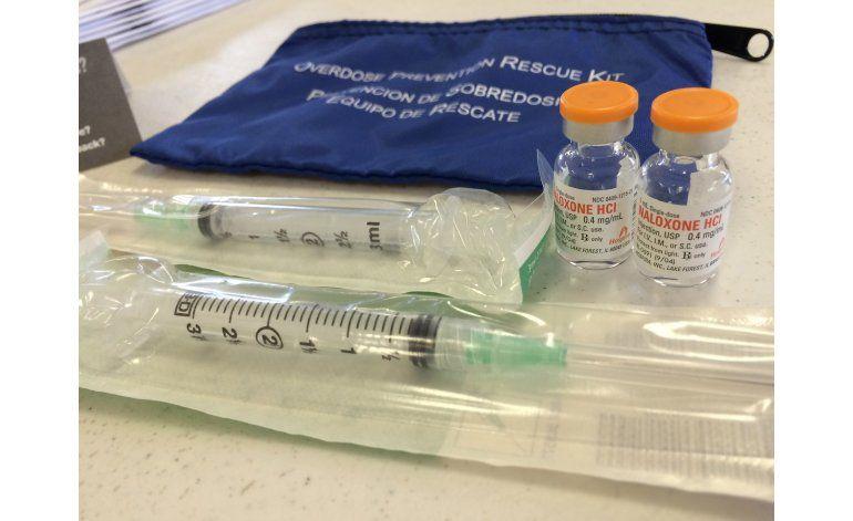 Propuestas contra crisis de opiáceos chocan con la industria