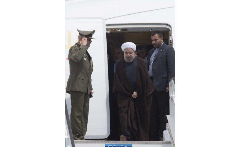 Presidente de Irán llega a Cuba