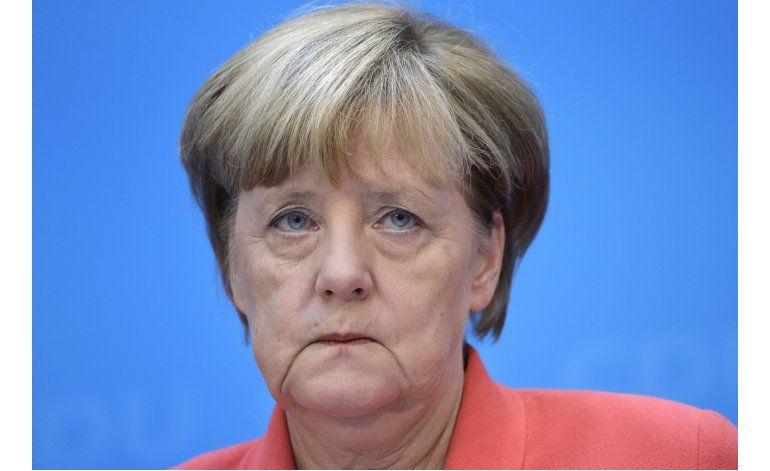 Merkel acepta culpa parcial por mal resultado electoral