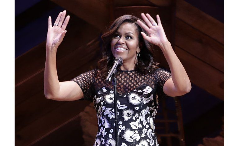 Michelle Obama realiza evento pro niñas en Broadway
