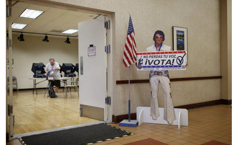 Clinton va bien en votación anticipada en North Carolina