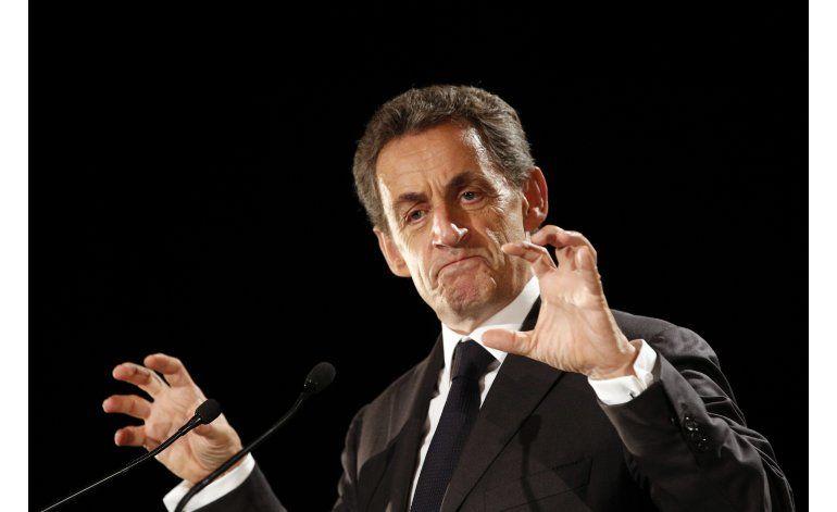 Aspirantes a presidir Francia canalizan el temor a migrantes