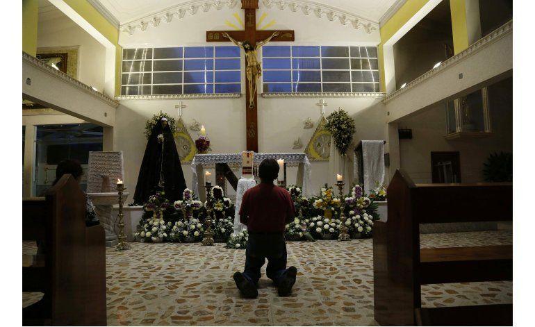 México: Recuerdan en misa a uno de dos sacerdotes asesinados