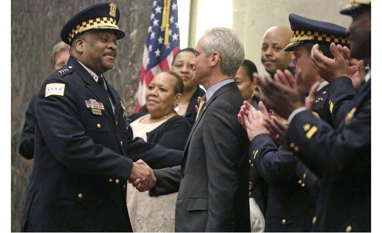 Alcalde de Chicago anuncia programa de seguridad pública