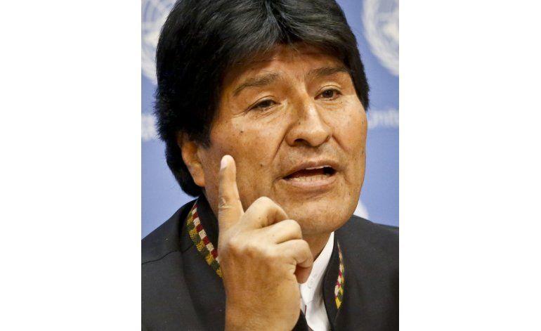 Morales niega intención de permanecer en el poder tras 2020