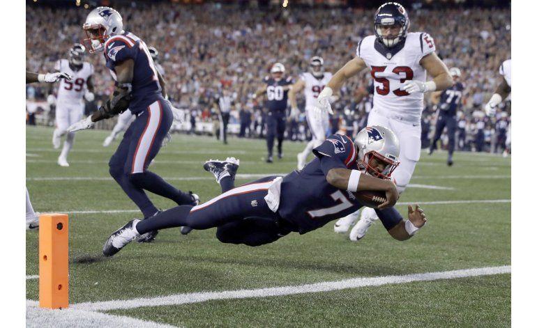 Patriots ganan 27-0 a Texans con novato Brissett y Blount