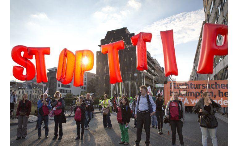 UE sopesa cambio de enfoque para negociar TTIP con EEUU