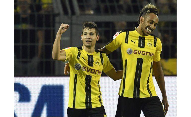 Nuevos fichajes ayudan a Dortmund, en triunfo sobre Friburgo
