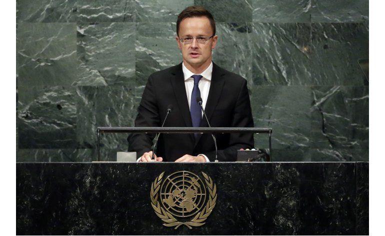 Hungría dice que la migración propaga el terrorismo