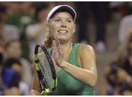 wozniacki jugara la final en tokio tras eliminar a radwanska