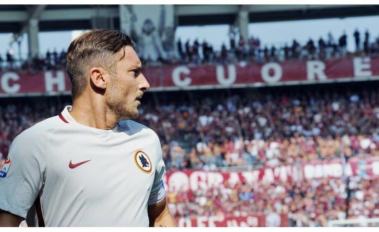 Totti alcanza los 250 goles, pero Roma cae en Torino