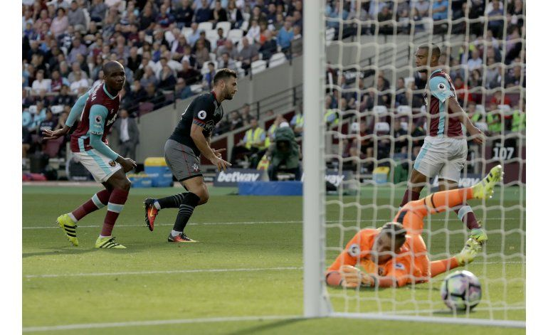 West Ham sigue de capa caída al perder 3-0 ante Southampton