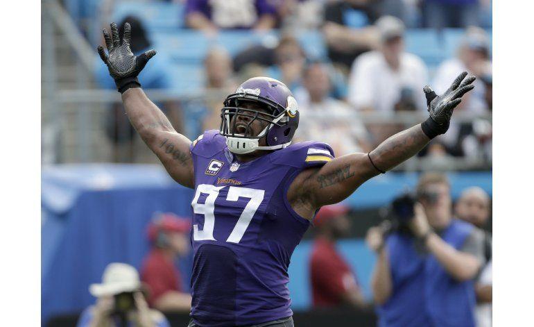 Vikings frenan a Newton y vencen a Panthers