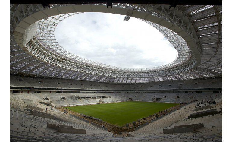 Primicia AP: FIFA disuelve fuerza de tarea contra racismo