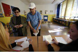 serbobosnios votan en referendo prohibido por alto tribunal