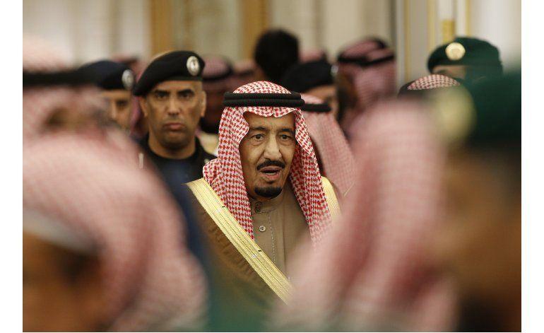 Arabia Saudí baja salarios y prestaciones a ministros