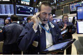 wall street cierra con baja; declinan acciones de los bancos