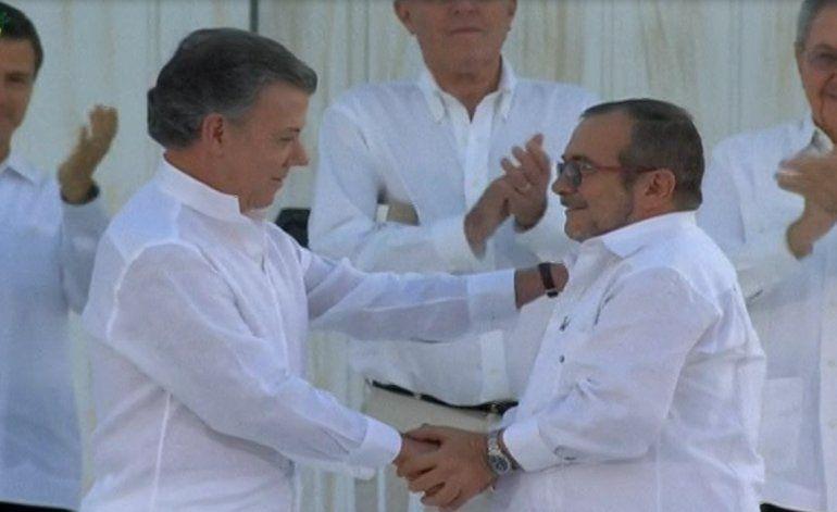 Colombianos se preparan para participar en el plebiscito de este domingo
