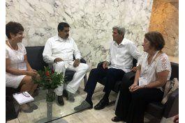 john kerry se reune con el presidente de venezuela