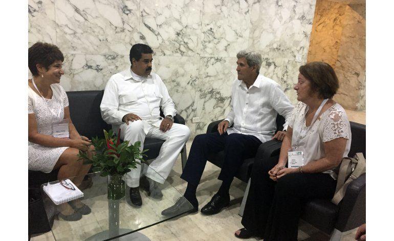 Kerry se reúne con Maduro en medio de tensiones en Venezuela