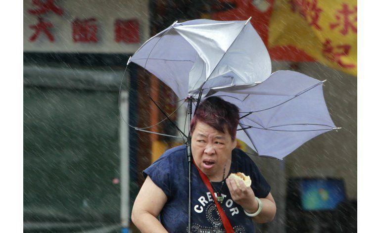 Por lo menos 4 muertos, 260 heridos por tifón en Taiwán