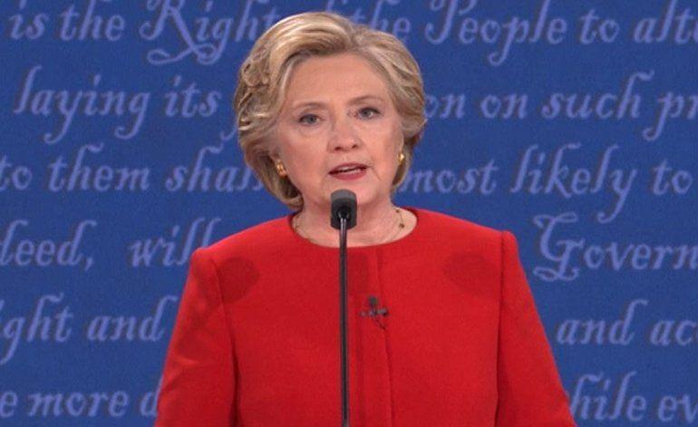 Wikileaks filtra discursos pagados de Clinton