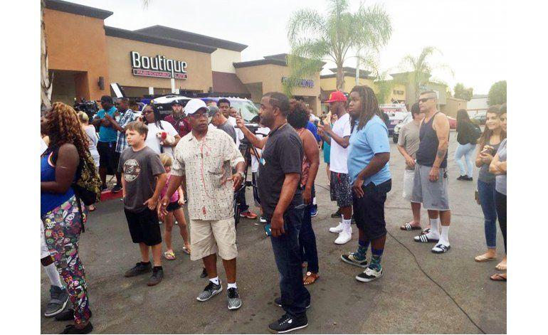 Muere un hombre negro baleado por policías en San Diego