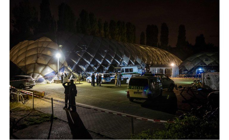 Berlín: Policía mata a un hombre armado en hogar refugiados