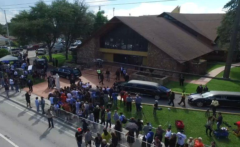 Comunidad de Miami le da un último adiós a José Fernández  en la Iglesia St. Brendan