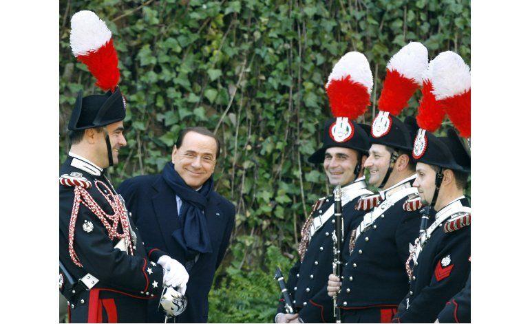 Berlusconi cumple 80 años entre saludos y reflexiones