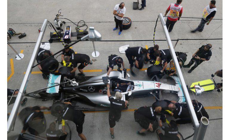 Rosberg con ventaja al reanudarse la lucha por título de F1