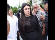 maria arias, la novia embarazada de jose fernandez, desconsolada en el funeral del pelotero
