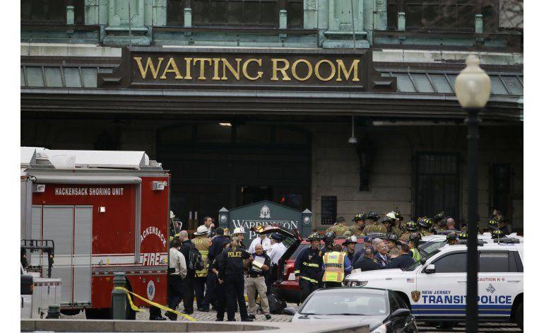 Tren choca con estación en Nueva Jersey; 1 muerto