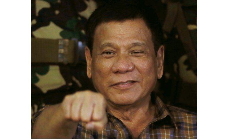 Duterte contento de matar a sospechosos por drogas