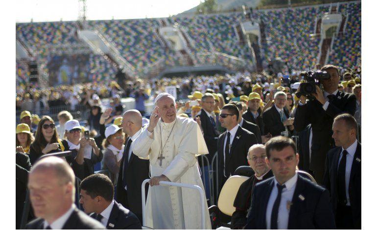 Delegación ortodoxa no acude a una misa del papa en Georgia