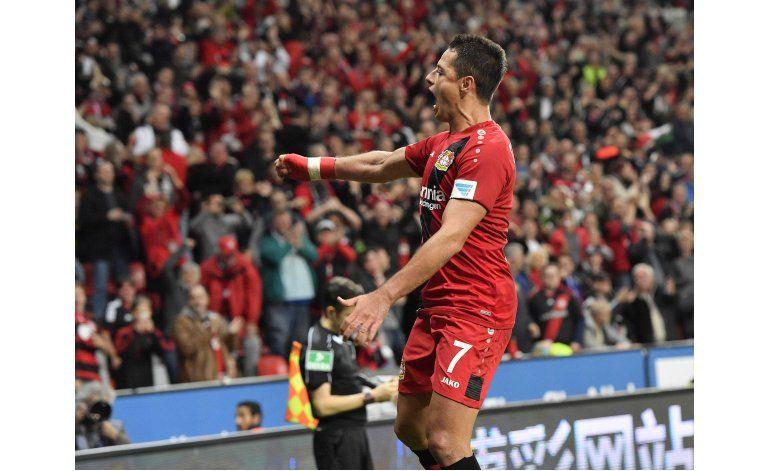 Bayern empata con Colonia; Chicharito anota por Leverkusen