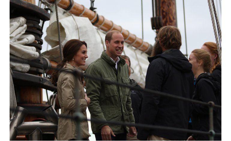 Príncipe Guillermo y Catalina concluyen visita a Canadá