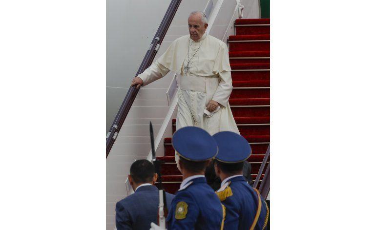 El papa elogia la tolerancia religiosa en Azerbaiyán