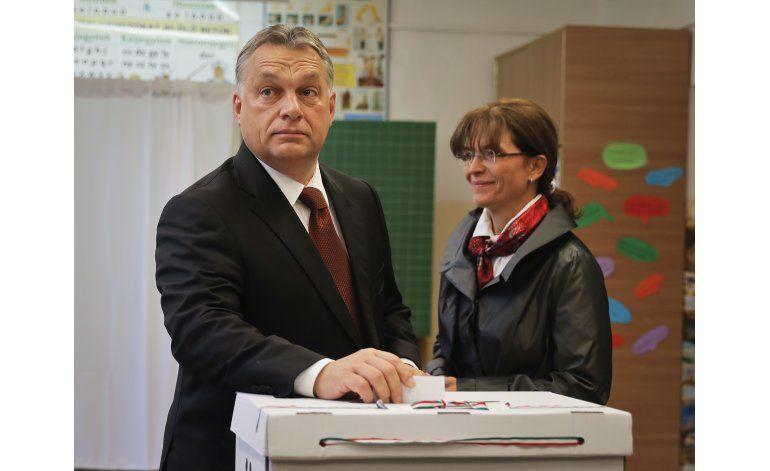 Poca participación invalida referendo en Hungría
