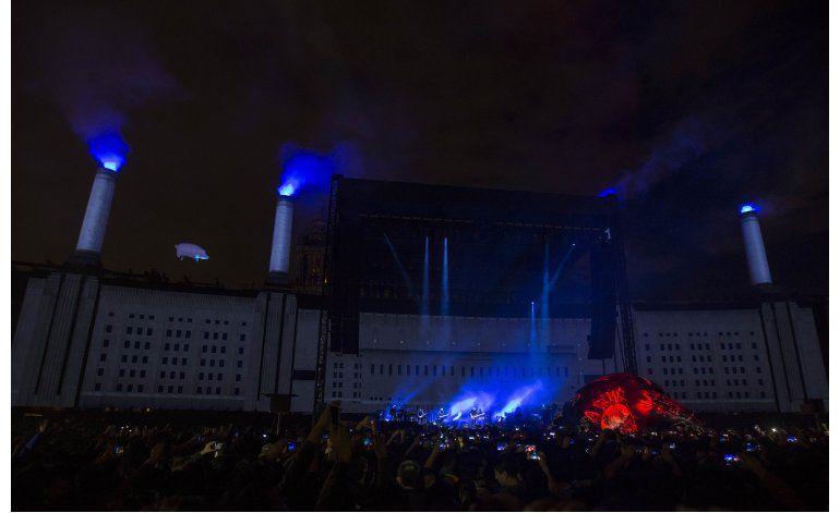Roger Waters pide a Peña Nieto que escuche a su gente
