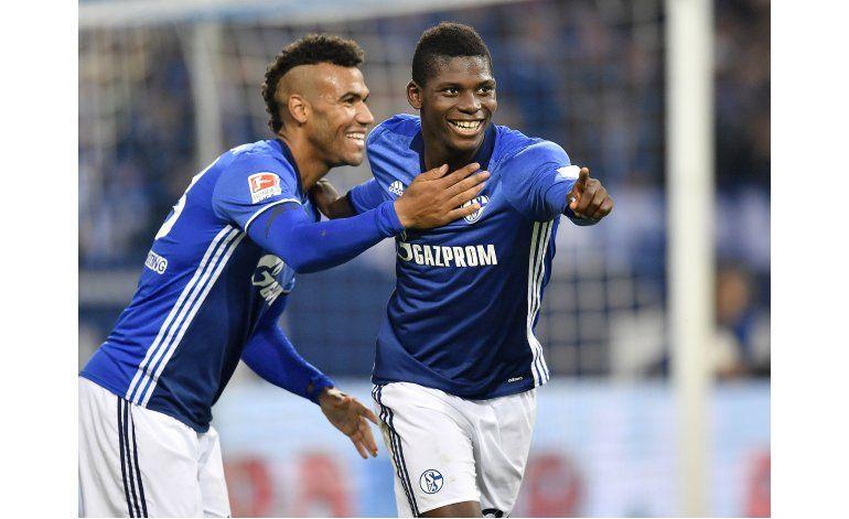 Schalke golea 4-0 al Moenchengladbach y finalmente despega