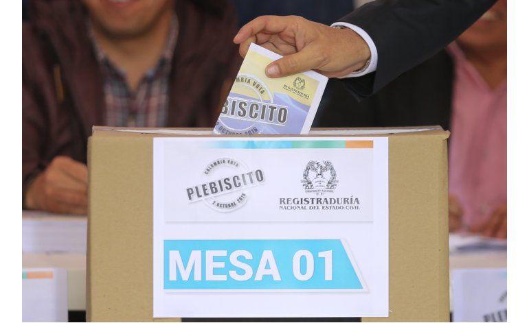 Cierran las urnas en el referendo en Colombia sobre la paz