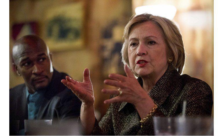 Clinton pide reflexionar sobre ola de balaceras