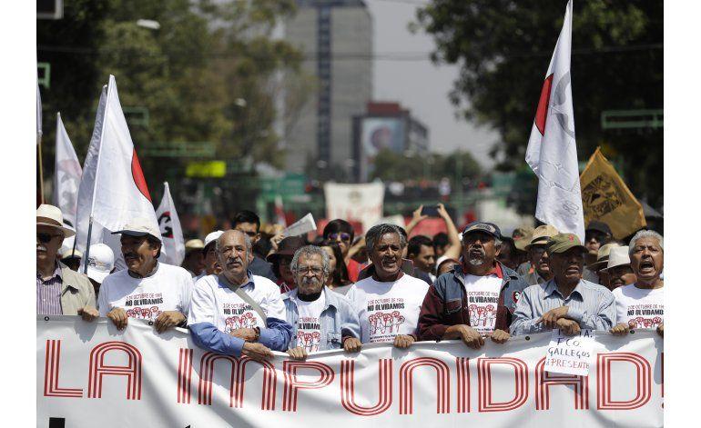 México: Marchan para conmemorar la masacre de Tlatelolco