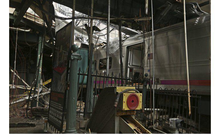 New Jersey: Intentan recuperar grabadora de tren accidentado