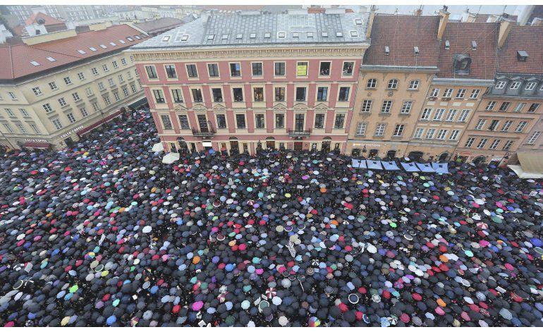 El aborto eleva la tensión entre gobierno polaco y oposición